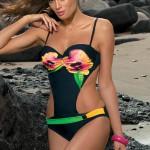 Jednodílné plavky Marko Elvira s květinovým potiskem a sexy průstřihy