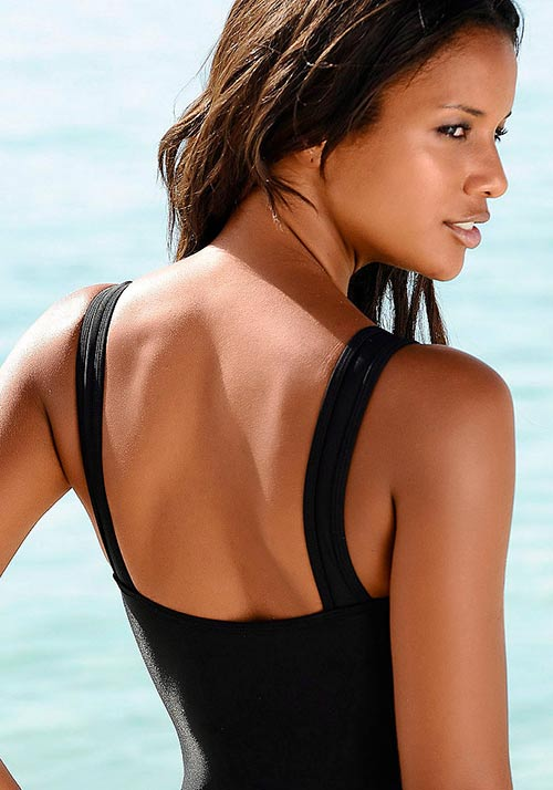 Černé jednodílné plavky na širší ramínka