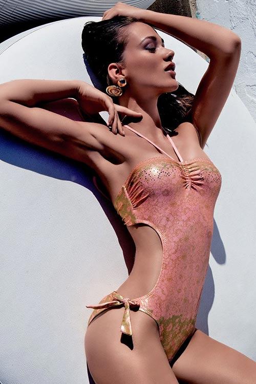 Luxusní monokini Bertina v trendy zlatém designu