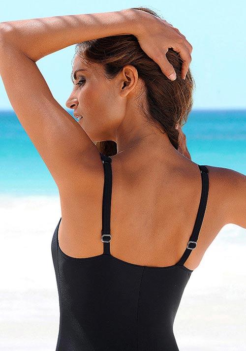 Černé jednodílné plavky s nastavitelnými ramínky