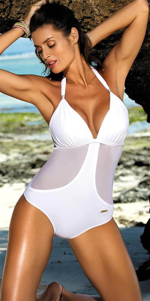 Bílé plavky pro velká ňadra