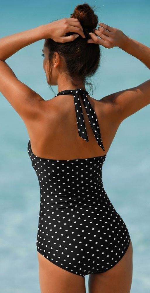 Černobílé puntíkované plavky