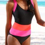 Pruhované jednodílné sportovní plavky levně