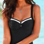 Černé plavky s kontrastními bílými lemy