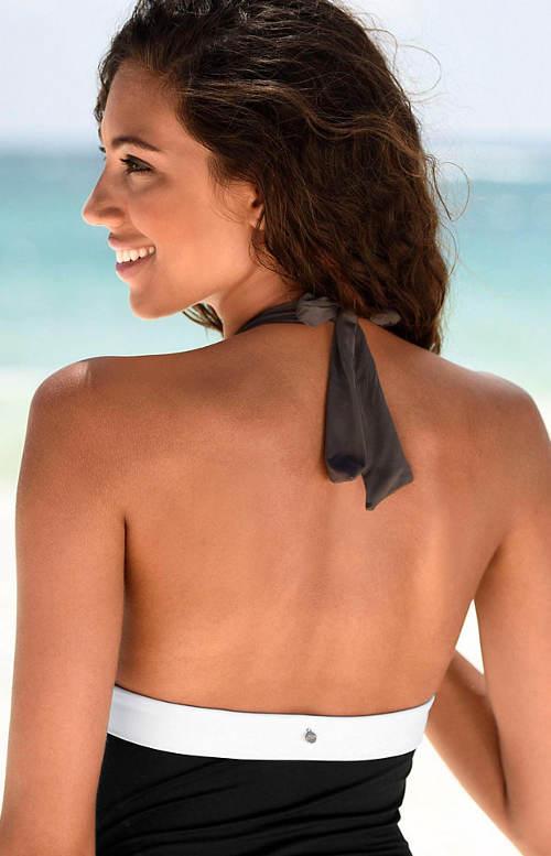 Jednodílné plavky s volnými zády
