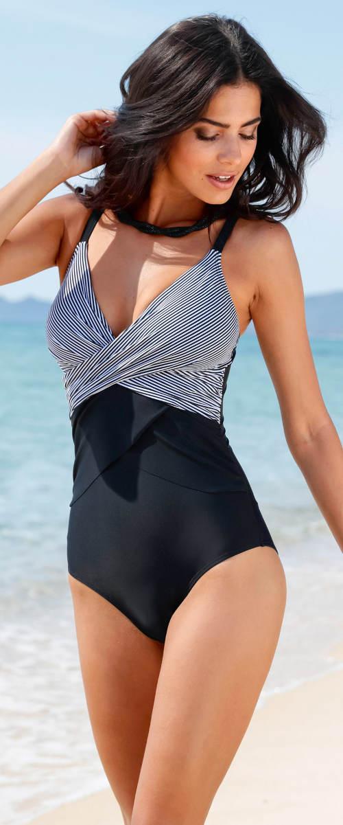 Jednodílné plavky zavinovacího vzhledu