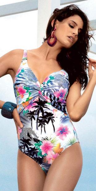 Zlevněné luxusní jednodílné plavky s tropickým potiskem