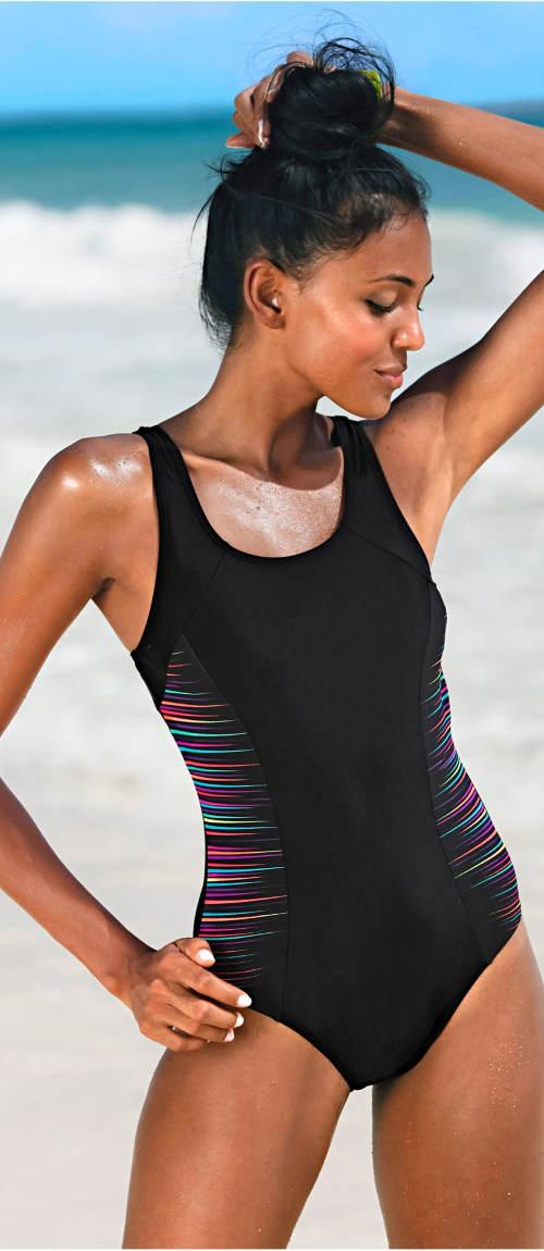 Pohodlné jednodílné plavky na široká ramínka