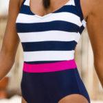 Pruhované jednodílné plavky Bonprix 2019
