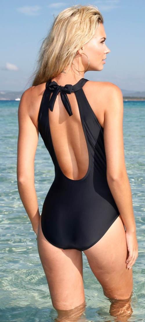 Černé jednodílné plavky s mašličkou za krkem