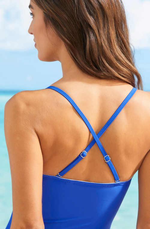 Modré jednodílné plavky s překříženými ramínky na zádech