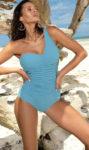 Světle modré jednodílné plavky na jedno rameno s řasením na břiše