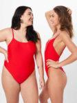 Červené jednodílné plavky pro plnoštíhlé