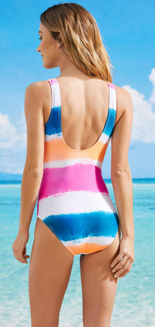 Pruhované jednodílné plavky v pastelových barvách