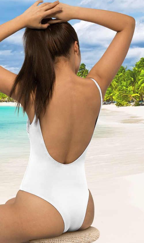 Bílé sportovní plavky vcelku