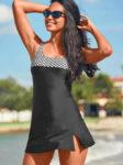 Jednodílné moderní plavky se sukénkou v černém provedení