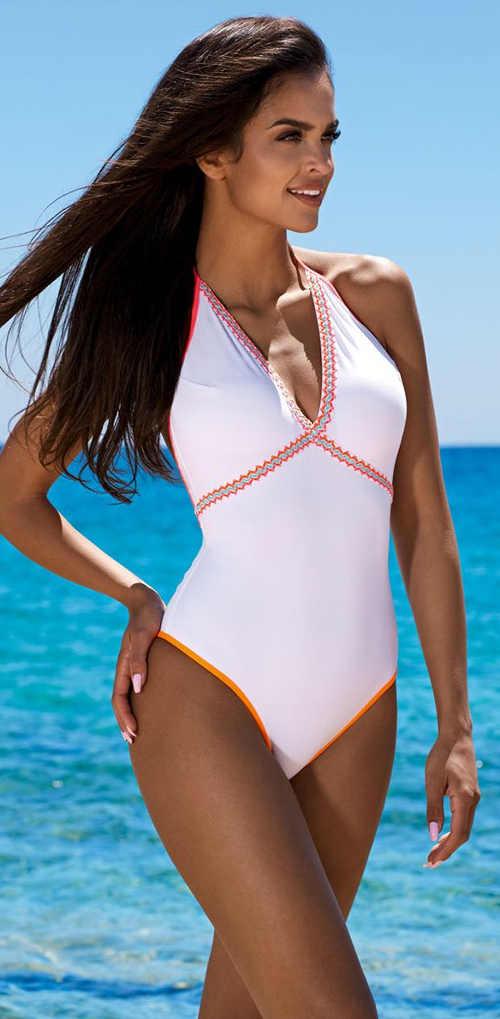 Moderní plavky vcelku v bílém provedení s barevnými detaily