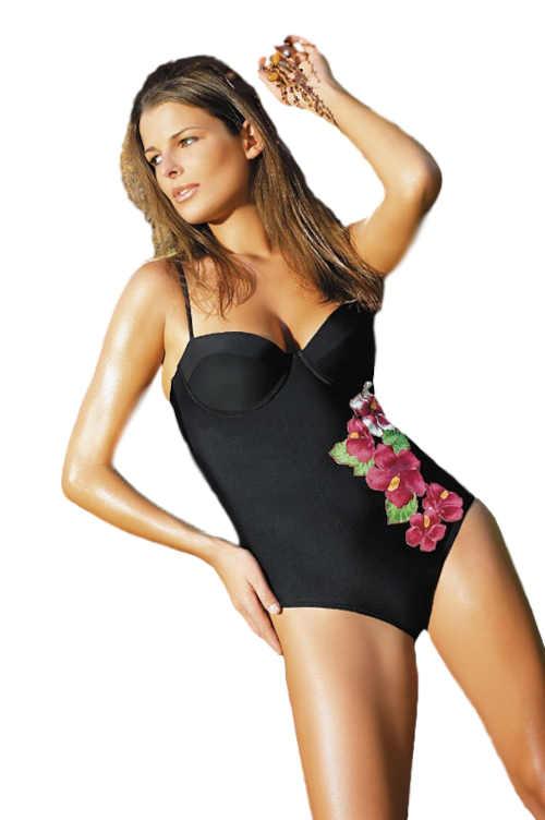 černé plavky s květinovým motivem