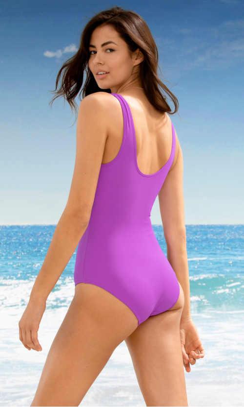 fialové moderní plavky se stahovacím efektem