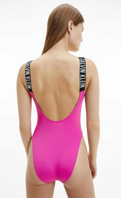růžové sportovní plavky v celku